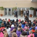 The children's author Roberto Aliaga and the narrator Mario Caballero both attended the ceremony