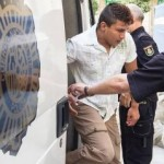 The accused arriving at the Alicante court
